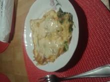 warzywkami omlecik z cebulka ,ogorkiem kiszonym ,rukola omlet z jednego jajka :)))
