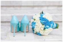 bukiety ślubne, reportaż ślubny, fotografia ślubna, niebieski na ślubie, kolo...