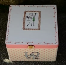 LOVE - drewniane pudełko na...