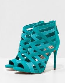 Nowa kolekcja Bershki, zastanawiam się nad nimi, kolor przepiękny! bardzo pod...