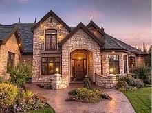 Bardzo mi się podobają domy z kamienia ozdobnego, a wam ? :) Miłego dnia życzę :)