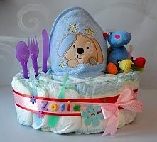 Tort z pieluszek na chrzest lub urodziny