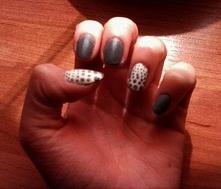 Szaro białe kropeczki :)