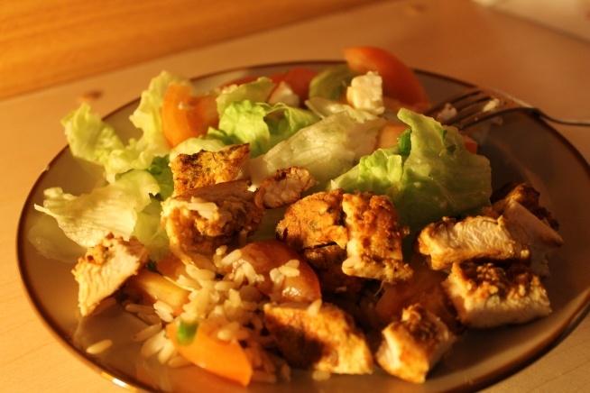 takie pyszności. Kurczak, ryż i sałatka ♥