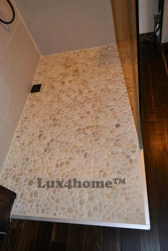 Kamienie otoczaki pod prysznicem. Otoczaki Lux4home™