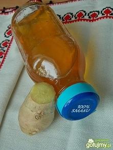 Syrop imbirowy przepis - Galeria - Gotujmy.pl Syrop imbirowy - SKŁADNIKI: 50g świeżego imbiru 1 1/2 szklanki wody 1/2 szklanki soku z cytryny 1 1/2 szklanki cukru Syrop imbirowy...