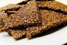 krakersy z siemienia lnianego 3 kubki siemienia lnianego 1 1/2 kubka pestek słonecznika 1/ 1/2 kubka pestek z dyni 1 1/2  ziaren sezamu   wykonanie : moczyć wszytkie nasiona prz...