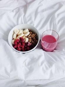 co jecie na śniadania ? :) bo mi się pomysły skończyły :(