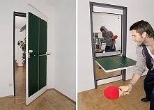 drzwi przekształcane w stół do ping ponga. niezły patent