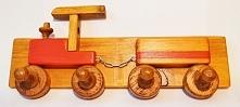 Wieszak - ubraniowy pociąg. Dla najmłodszych :)