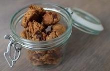 Szybkie i proste ciasteczka z cieciorki Składniki:      puszka cieciorki     4 łyżki masła orzechowego     4 łyżki syropu z agawy     2 łyżki mąki z amarantusa     2 łyżki mąki ...