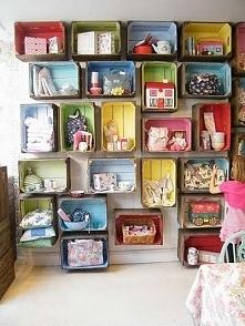 szafka z kartonów