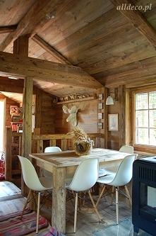 Salon starym drewnie