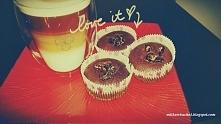 kocham czekoladowe smakołyki. :) mniam !