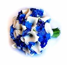 Wiązanka ślubna przygotowana z białych kwiatów cantedeskii i eustomy oraz niebieskiej hortensji