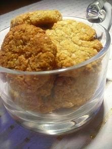 ciastka Składniki na 20 ciastek: 85 g płatków owsianych 85 g wiórków kokosowy...