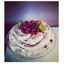 mój pierwszy tort bezowy!