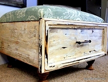 siedzisko ze starej szuflady