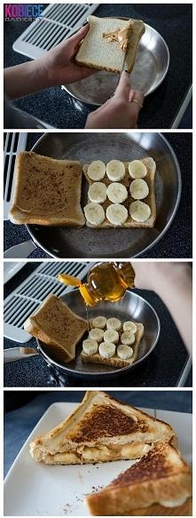 tosty z masłem orzechowym i bananami robione na patelni :)