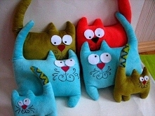 Poduszki w kształcie kotów