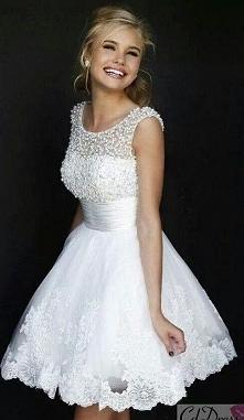Piękna sukienka Sherii Hill. Dostępna od ręki. Rozmiar to duże L małe XL.  Cena 379 zł. Zapraszam do L'Olita!