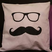 Przepiękna, oryginalna i mięciutka poducha Mustache :) Handmade!!! Świetny po...