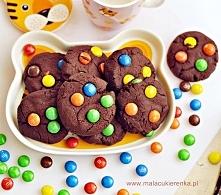 Czekoladowe ciastka z M&M  Składniki: 100g masła w temperaturze pokojowej...