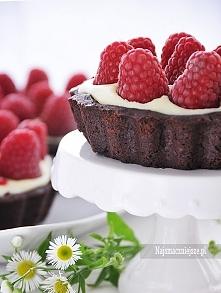 tarta malinowa Ciasto kakaowe:  200 g mąki 150 g zimnego masła 100 g cukru pu...