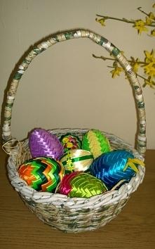 Koszyczek z jajami karczochowymi