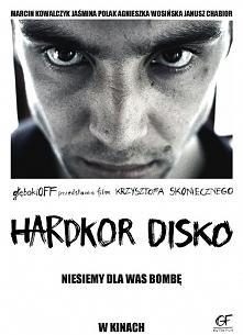 Hardkor Disko(2014) Marcin (Marcin Kowalczyk) dowiaduje się szokującej informacji ze swojej młodości, która powoduje, że chłopak wyjeżdża do wielkiego miasta. Na miejscu poznaje...