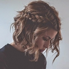 Krótkie włosy są również piękne