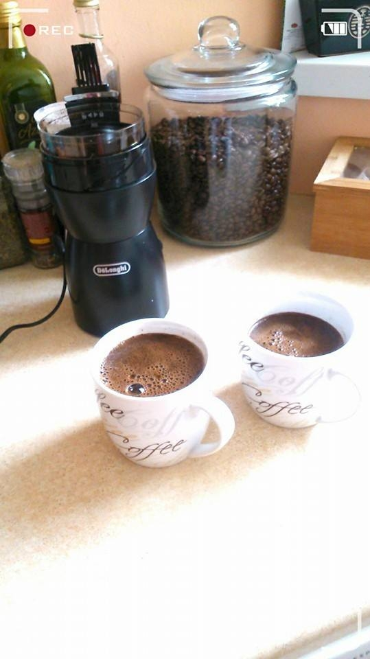 Wypić kawę o poranku z ukochaną osobą...Bezcenne :)
