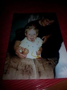 Zdjęcie na konkurs prawdziwa miłość...Ja i moja mama. Myśle,że dla każdego człowieka najważniejszą osobą w życiu jest mama.To ona jak byliśmy mali przychodziła w nocy gdy śniło ...
