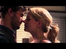 Emma&Graham Kiss