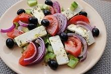 Sałatka grecka składniki:  ...