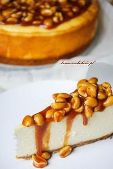 Z białą czekolada i orzechami w karmelu