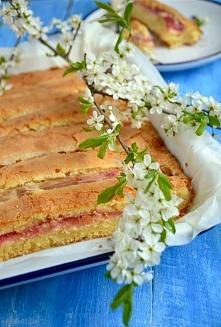 Serowe ciasto ucierane z rabarbarem.  Przepis po kliknięciu! ♥