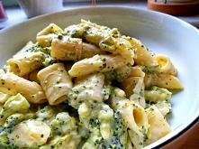 Makaron z sosem serowo – brokułowym