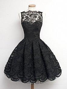 Pomocy! Wie ktoś gdzie dostanę tą sukienkę (albo bardzo podobną)?