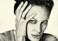 moja praca :) Angelina Jolie w ołówku