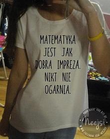 Taka oraz wiele innych ręcznie malowanych koszulek do wygrania u mnie w rozdaniu. Link w komentarzu, zapraszam! :)