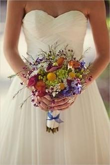 Kolorowy bukiet z polnych kwiatów