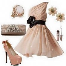 piękna sukienka i torebka, ...