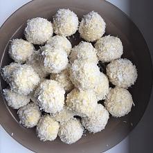 zdrowe rafaello :) z kaszy jaglanej