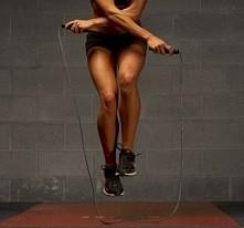 """Hej! Zrobiłam dzisiaj 500 skoków """"biegnąc"""" przez skakankę ( na jedn..."""