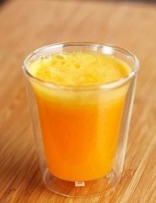 Koktajl spalający tłuszcz Składniki: - 1 duży grejpfrut, - pół świeżego ananasa, - 2 duże pomarańcze, Wszystkie owoce obieramy a naste następnie blendujemy. Z przygotowanej porc...