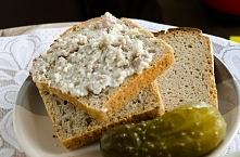 Chleb z domowej roboty smalcem i ogórasek to właśnie moje danie regionalne. G...