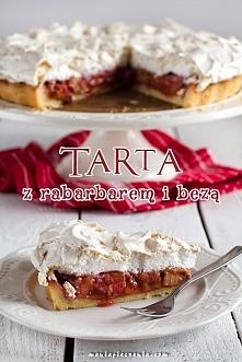 Tarta z rabarbarem i bezą z maniapieczenia.com