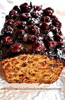 Zdrowy keks  Składniki: 1 1/2 szkl ulubionych płatków śniadaniowych, niebłyskawicznych 1/2  szkl siemienia lnianego 1/2  szkl otrębów pszennych  1 szkl ulubionej mąki  1/2 szkl ...