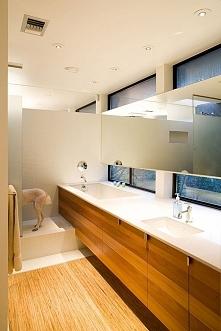 Genialny układ w dość małej i wąskiej łazience <3 Więcej inspiracji na blogu moojconcept .com ZAPRASZAM :)